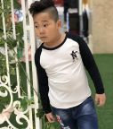 Áo bé trai chữ N màu trắng phối tay màu đen (9-14 tuổi)