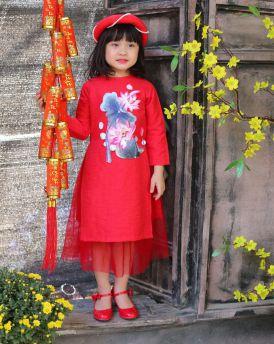 Áo dài bé gái thêu sen màu đỏ size 30kg -45kg
