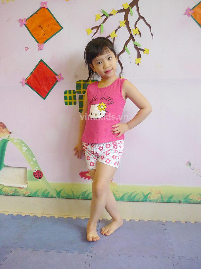 Đồ bộ bé gái Hello Kitty GAP màu hồng mẫu nhí mặc