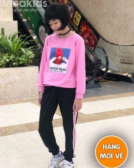 Đồ bộ bé gái dáng thể thao hình cô gái màu hồng (7-14 tuổi)