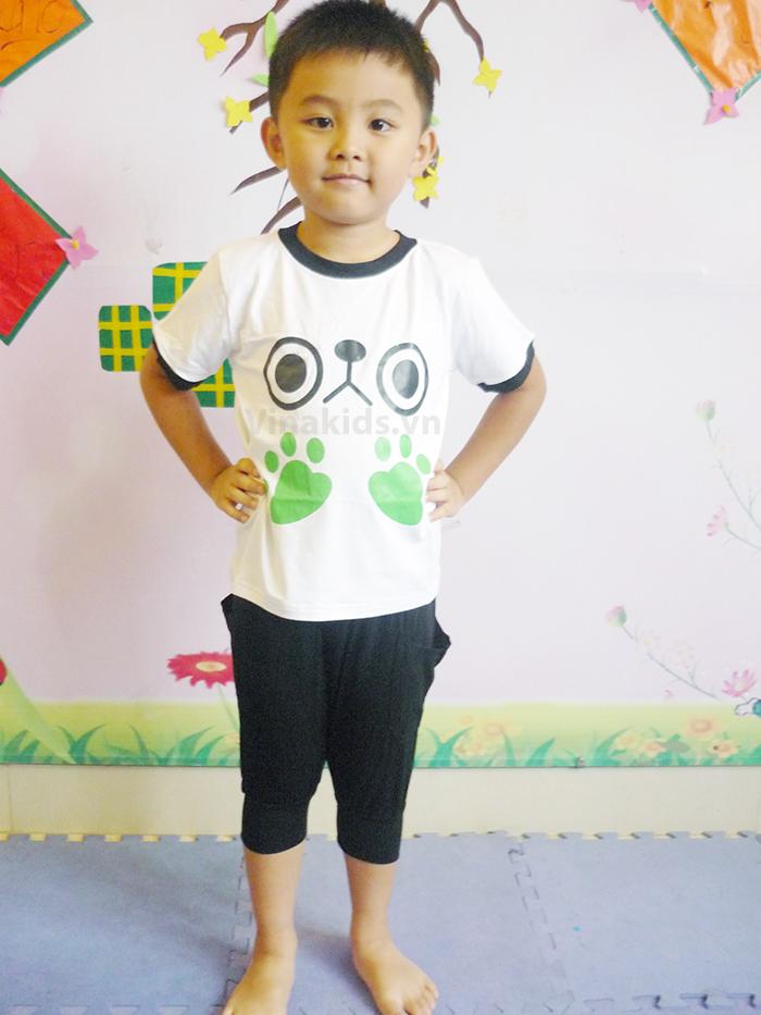 Đồ bộ bé trai in bàn chân ếch, quần alibaba màu đen