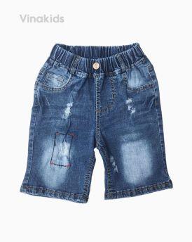 Quần jeans lửng bé trai trang trí chỉ chữ nhạt màu đậm (7-10 tuổi)