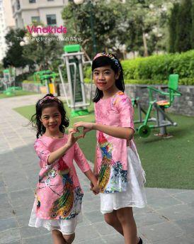 Sét áo dài cách tân bé gái hình công kèm tuban màu hồng phấn (1-9 tuổi)
