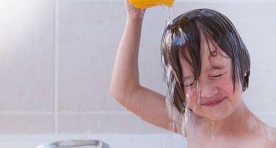 5 việc nguy hiểm chết người mẹ cần lưu ý khi trẻ đi nắng về