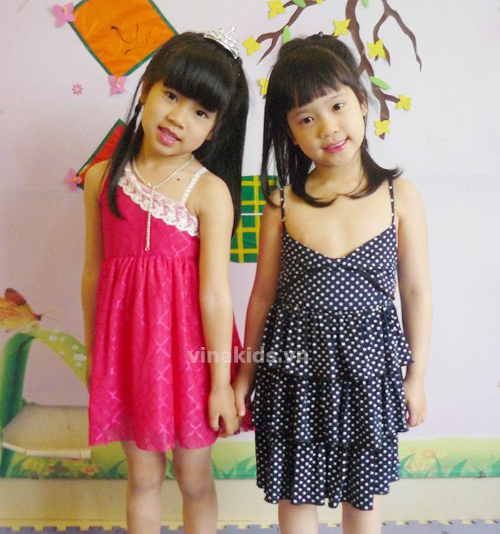 Váy bé gái ren lệch vai hồng