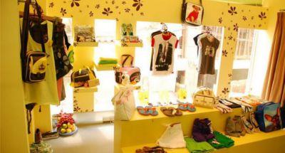 Bật mí cách thiết kế shop quần áo trẻ em diện tích nhỏ