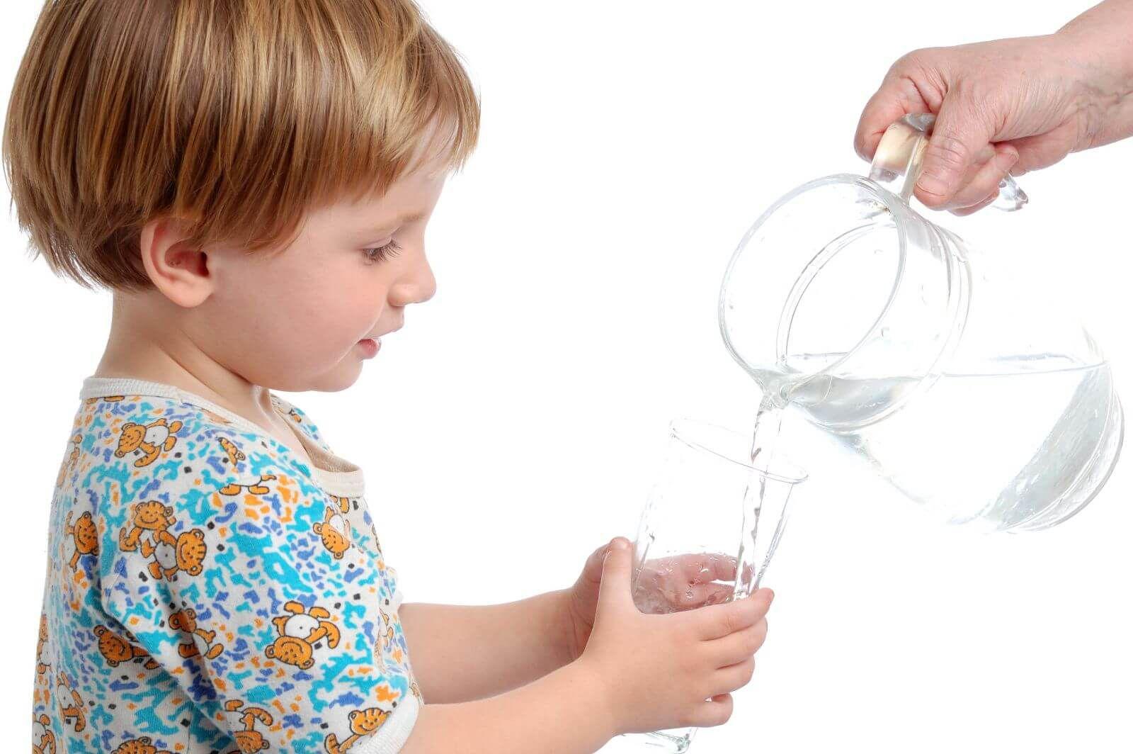 Bù điện giải sai cách gây hại cho trẻ