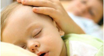 Các bà mẹ nên biết cách chữa mồ hôi trộm cho trẻ