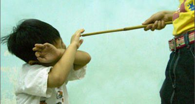 Cần tránh những điều  dù nóng giận trong khi dạy con