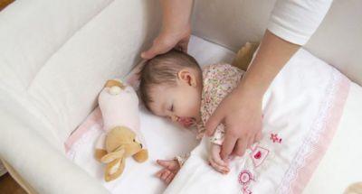 Hai phương pháp mẹ cần rèn cho con khi tách bé ngủ riêng
