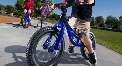 Hướng dẫn trẻ đi xe đạp đúng cách