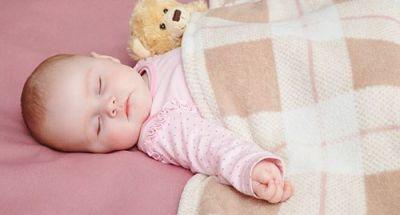 Mẹo giữ ấm cho bé khi ngủ trong những ngày lạnh giá