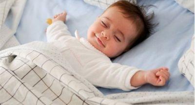 Những điều bố mẹ cần biết khi cho trẻ sơ sinh nằm điều hòa