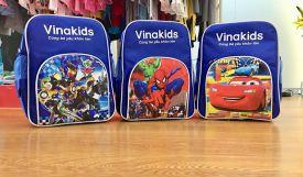 Vinakids tặng 160 balo nhân dịp năm học mới khi khách mua buôn quần áo trẻ em