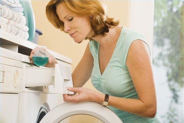 Cách giặt và bảo quản quần áo cho trẻ
