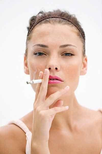 Nguy cơ sảy thai do thai phụ hút thuốc