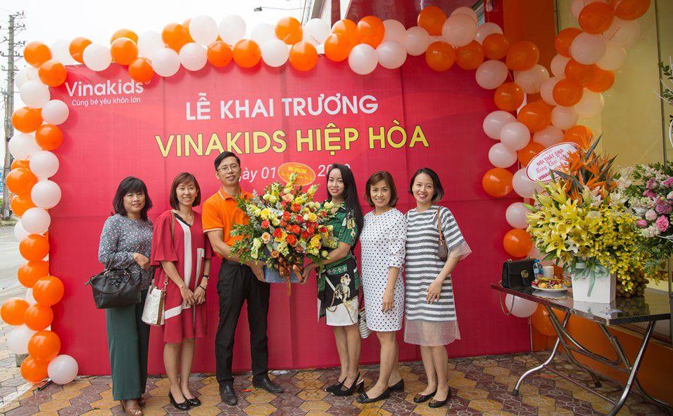 Chúc mừng khai trương Vinakids
