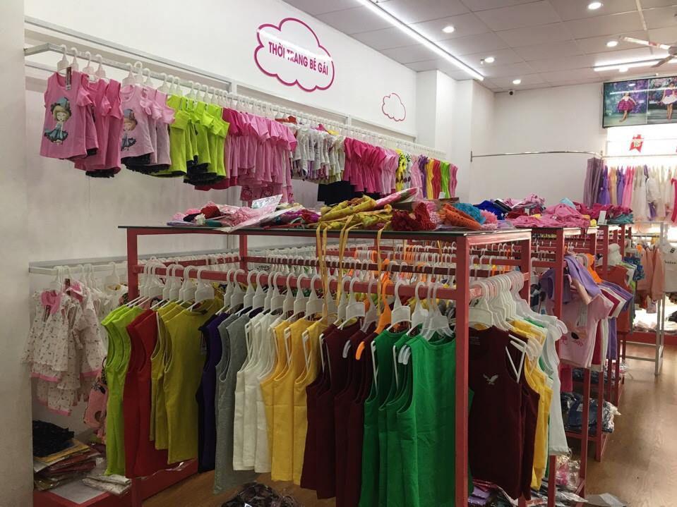 Cửa hàng bán buôn quần áo trẻ em