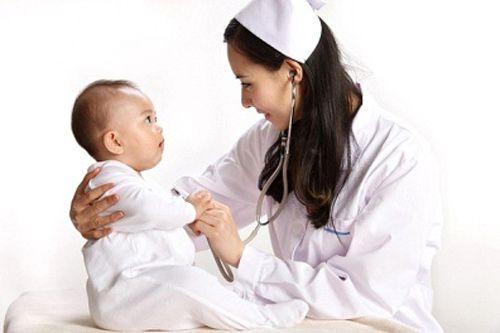 Những dấu hiệu quan trọng cha mẹ cần biết về bất thường ở trẻ - 1